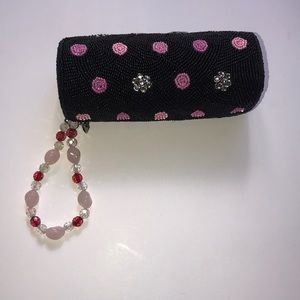 LA REGALE ZIPPER WRISTLET BLACK PINK BLING